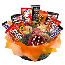 AG29 - Gourmet and Candy Combo Basket - 2 Dozen