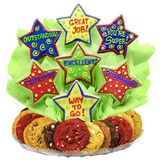 Be a super friend and give your co-worker or staff a phenomenal surprise! This fantastic BouTray™ is a great way to show your appreciation for a job well done. You can acknowledge someone�s excellent work any day of the week!